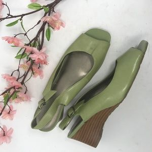 AK Anne Klein Green Peep Toe Wedge Pumps 7.5